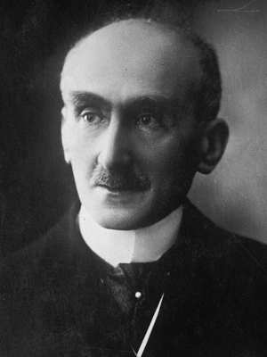 Photo of Henri Bergson, upper body, facing front