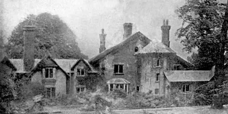Photo exterior of Sheen Lodge, Richard Owen's home in Richmond Park, London