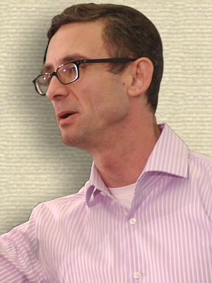 Photo of Chuck Palahniuk, head and shoulders, facing left